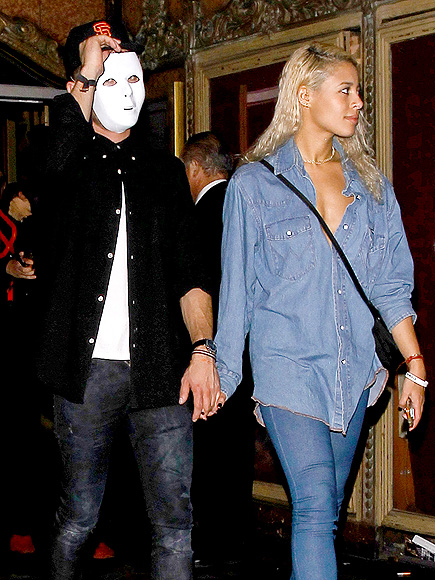 Zac Efron and Sami Miró Party Together on Halloween (PHOTO)