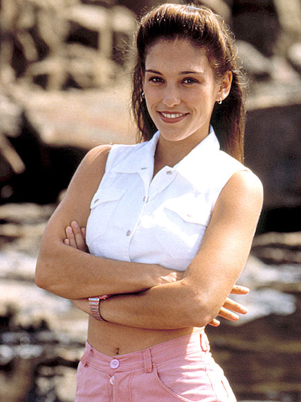 Amy Jo Johnson Performs As Pink Power Ranger To Promote