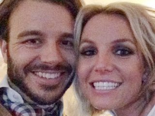 PHOTO: Britney Spears Cuddles with New Boyfriend