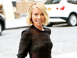 How Kelly Ripa Keeps Her Family Organized the 'Old-Fashioned' Way