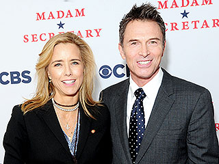 Téa Leoni Is Dating Madam Secretary Costar Tim Daly | Tea Leoni, Tim Daly