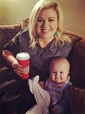 Kelly Clarkson Talks Tough Pregnancy, New Single