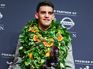 Oregon's Marcus Mariota Wins the Heisman Trophy