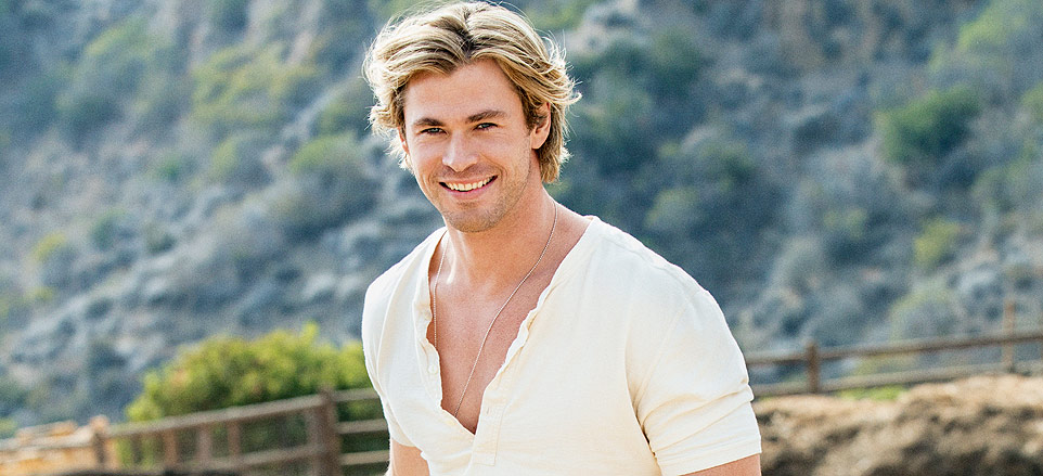 Exclusive Photos of Sexiest Man Alive Chris Hemsworth