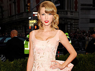 2014 Style Stars: See Our Picks for Best Dressed Celebs of the Year! | Taylor Swift