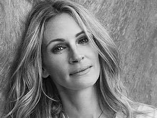 Wise Words from the Stars: Advice I'd Give My Younger Self | Julia Roberts
