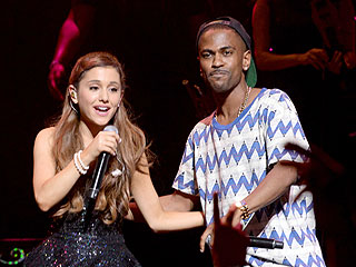 Romance 'Problem' Solved? Ariana Grande & Big Sean Hold Hands at VMAs