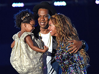 What Rumors? Beyoncé, Jay Z & Blue Ivy Picture Perfect at VMAs