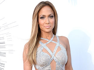 Did Jennifer Lopez Eat Candy with Casper Smart at the VMAs?