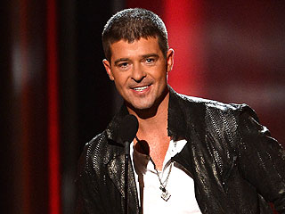 Robin Thicke Thanks 'My Wife,' Sings 'Get Her Back' at Billboard Music Awards | Robin Thicke