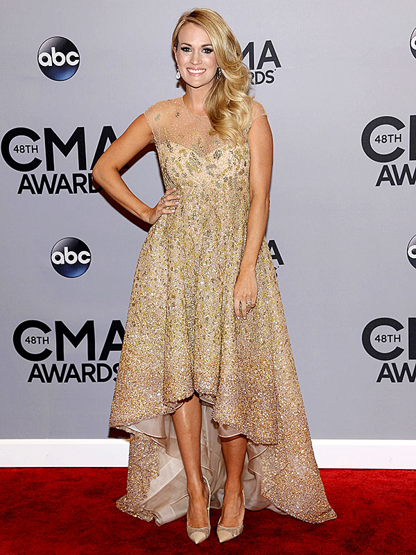 Carrie Underwood CMA Awards 2014