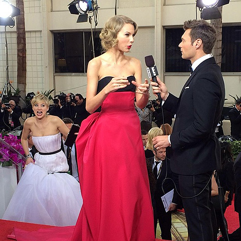 COMING THROUGH! photo | Jennifer Lawrence, Ryan Seacrest, Taylor Swift