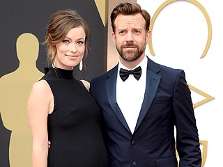 Olivia Wilde Dresses for Two – in Valentino! – at the Oscars