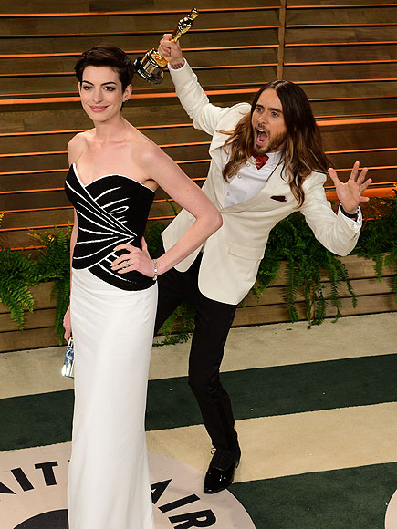 PARTY IN THE BACK photo | Anne Hathaway, Jared Leto