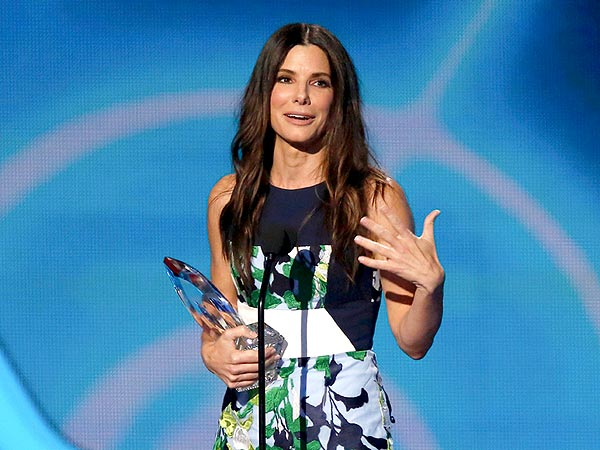 People's Choice Awards 2014: Top 5 Moments| People's Choice Awards 2014, Individual Class, Beth Behrs, Ellen DeGeneres, Justin Timberlake, Sandra Bullock