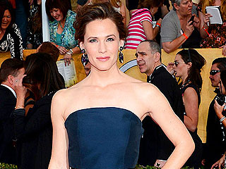 PHOTOS: The SAG Gowns Editors Love | Jennifer Garner