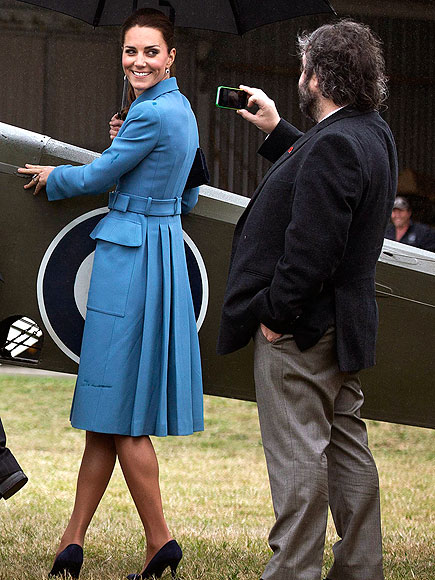 MODEL BEHAVIOR photo | Kate Middleton