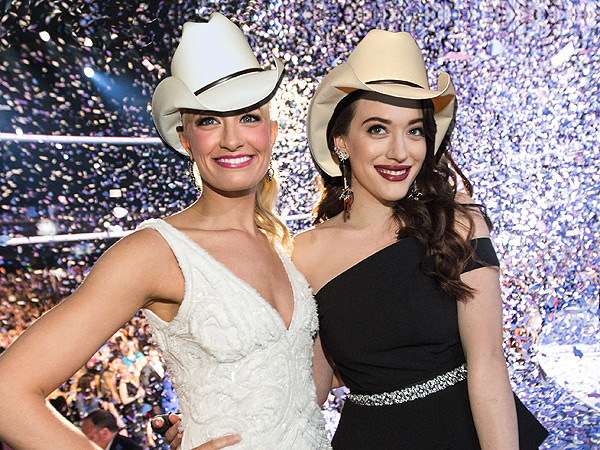 We Put Brad Paisley's Hat on Different Celebrities from the People's Choice Awards| People's Choice Awards 2014, Individual Class, Beth Behrs, Brad Paisley, Heidi Klum, Kat Dennings, Naya Rivera