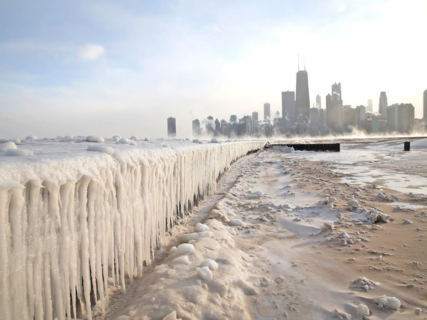 'Steam Devil' Video: Frigid Air Causes Steam to Wash Over Lake Michigan