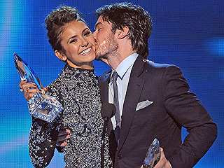 What Happens When You Run Into Your Ex at the People's Choice Awards