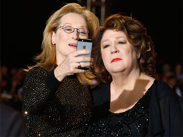 How to Take a Selfie with Meryl Streep| Academy Awards, Oscars 2014, 50 Cent, Hillary Rodham Clinton, Margo Martindale, Meryl Streep