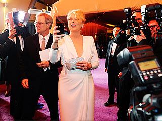 How to Selfie with Meryl Streep | Meryl Streep