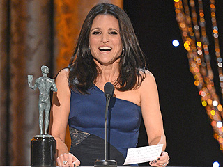 VIDEO: Veep's Julia Louis-Dreyfus Accepts SAG Award in Character | Julia Louis-Dreyfus