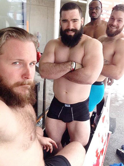 Winter Olympics 2014: Canadian Bobsled Team in Underwear on Twitter