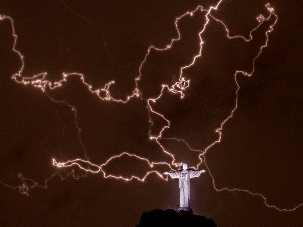 Miracle Makeover: Rio De Janeiro's Landmark Christ Statue Before & After Lightning Strike| Good Deeds