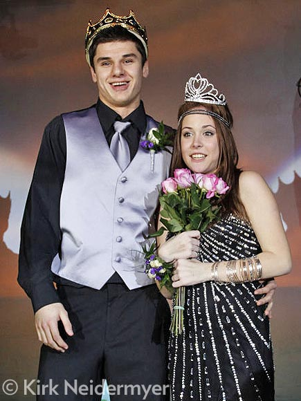 Teen Diagnosed with Cancer Receives Surprise Prom with 200 Friends