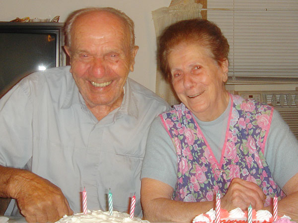 Together Forever: Childhood Sweethearts Married 67 Years Die 32 Hours Apart| Real People Stories
