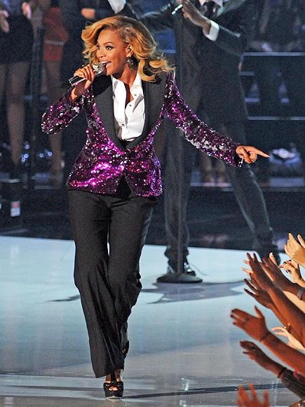Forget Fashion Week Trends: Menswear Style on Women Is Timeless| Fashion Week, Beyonce Knowles, Cate Blanchett, Diane Keaton, Rihanna, Salma Hayek, RolesClass
