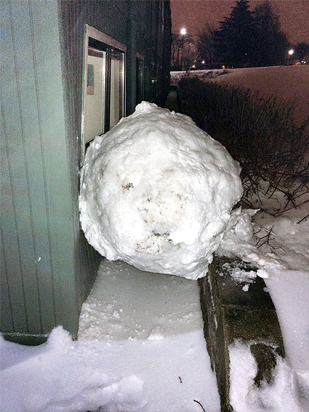 This Is What It Looks Like When an 800-Lb. Snowball Slams into a College Dorm| Around the Web, Real People Stories