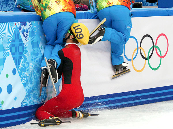 Photos: 17 of the Gnarliest Wipeouts at the 2014 Winter Olympics  Winter Olympics 2014, Shaun White