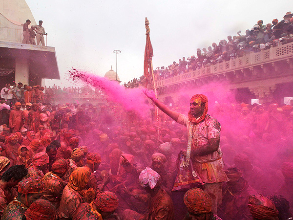 Celebrate Spring with 11 Colorful Photos from India's Holi Festival| Around the Web, Real People Stories