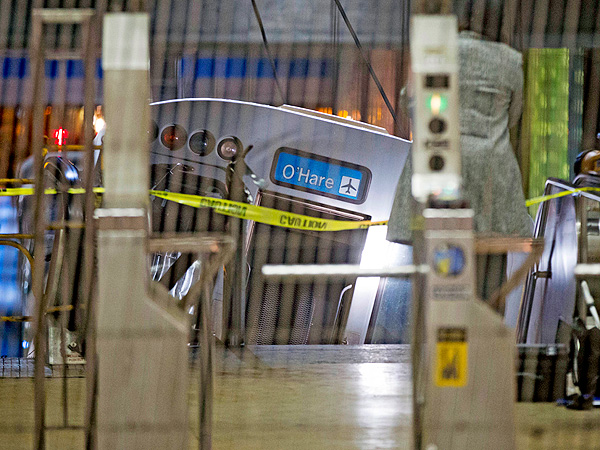 Chicago Blue Line Train Derails, Climbs Escalator at O'Hare International Airport (VIDEO)| Chicago