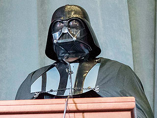 Darth Vader Is Running for President of Ukraine | Darth Vader, Vladimir Putin