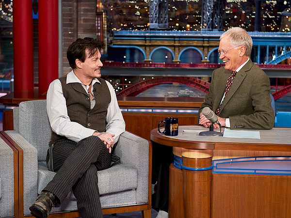 WATCH: Johnny Depp Talks About His 'Female Engagement Ring' on Late Show | Johnny Depp