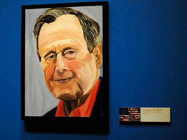 An Art Expert Reviews George W. Bush's Paintings| George Bush, George W. Bush