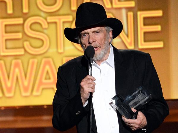 Garth Brooks Sings 'Happy Birthday' to Merle Haggard| Academy of Country Music Awards, Garth Brooks, Merle Haggard, Miranda Lambert