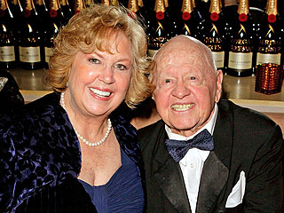 Agreement Reached on Mickey Rooney Burial and Memorial | Mickey Rooney