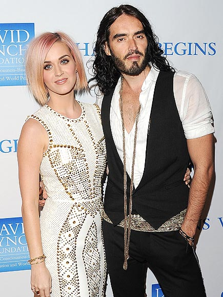 katy perry 435x580 In Honor of Ex Spouse Day, the 6 Types of Celebrity Breakups