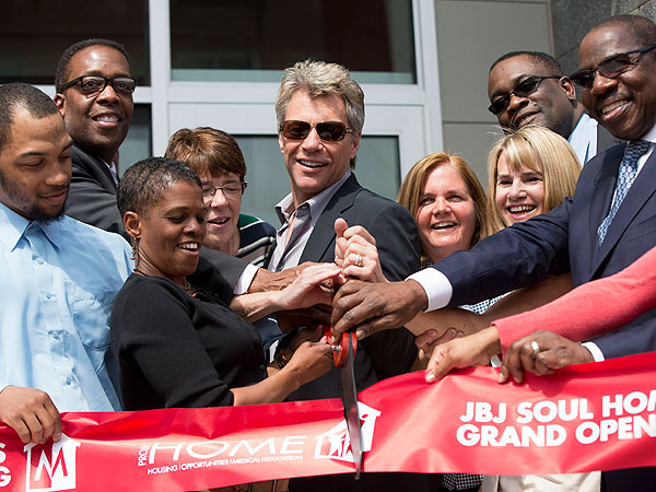 Jon Bon Jovi Proves That Home Is Where the Heart Is | Jon Bon Jovi