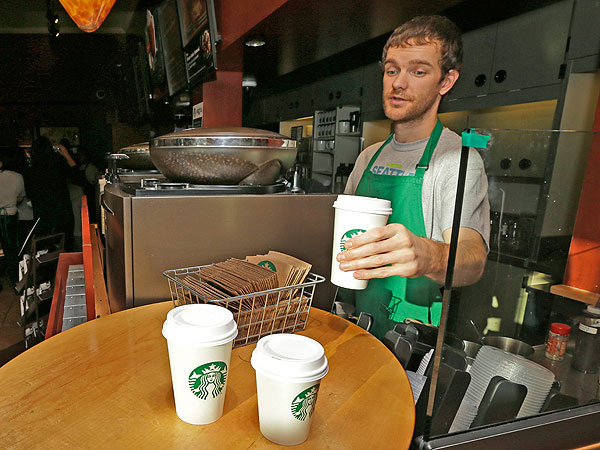 378 People 'Pay it Forward' with Free Coffee at Florida Starbucks| Starbucks, Good Deeds, Real People Stories
