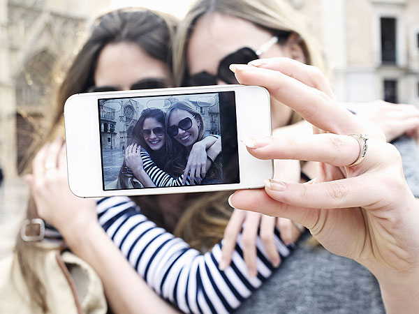 It's Official: Americans Blame Celebs for 'YOLO,' 'Selfie' and 'Twerking'