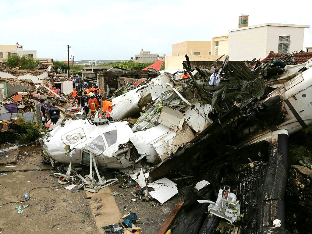 Taiwan Plane Crash Survivor Crawls Out of Wreckage, Phones Dad