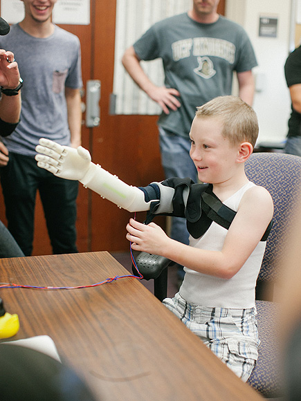 See This 6-Year-Old Boy Hug His Mom for the First Time, Thanks to His New 3-D-Printed Robot Arm| Science and Technology, Real People Stories
