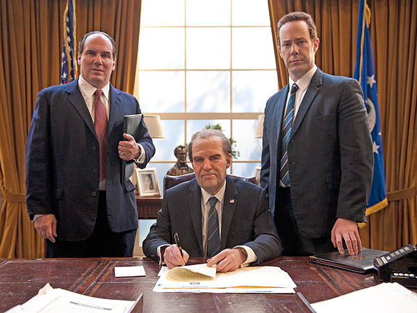 On the 40th Anniversary of Richard Nixon's Resignation, See Harry Shearer Re-Enact the Historic Moment  Historical, Politics and Current Events, Harry Shearer, Richard Nixon