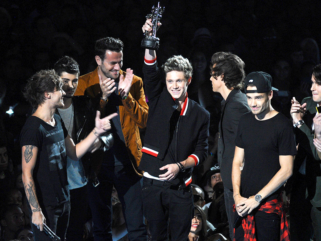 MTV VMAs 2014: One Direction, 5 Seconds of Summer, N'Sync