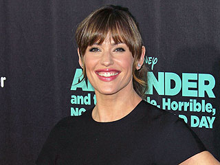 What Did Jennifer Garner Rent to Help Her Landscape? Watch Now